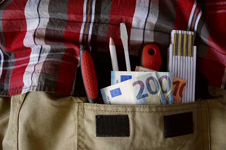 Artisan: risques du travail au noir (ou au black)